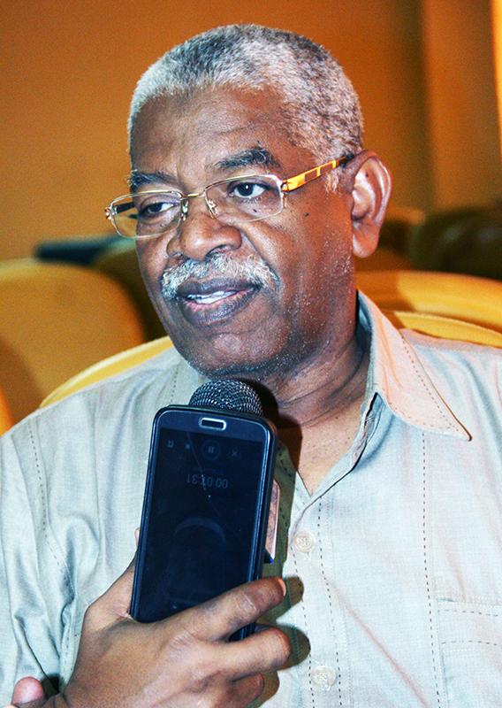 وزير المعادن يلتقي بعدد سفراء السودان الجدد المتوجهين لمحطات خارجية