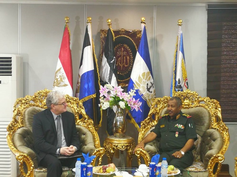 Joint Chief of staff Commander receives American charge d'Affaires to the Sudan