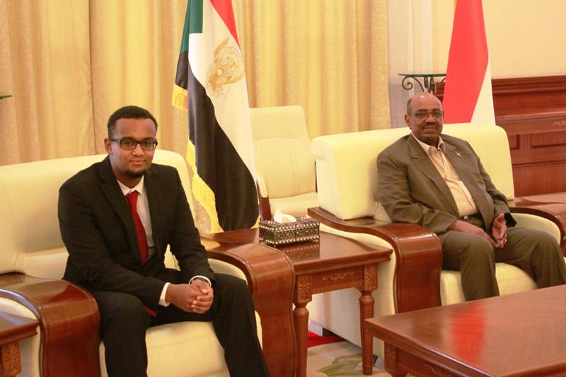 البشير يؤكد دعم الدولة لكافة المبدعين والمتفوقين السودانيين داخل وخارج البلاد